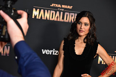Julia Jones at the Special Fan Screening of The Mandalorian at the El Capitan Theatre in Hollywood - DSC_0583