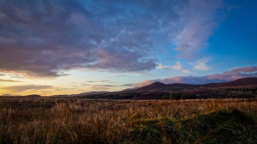 glen strath valley moor moorland hills mountain wyvis sky clouds trees forest woods pinewoods rosshire highlands scotland sunset sundown landscape colours cold freezing