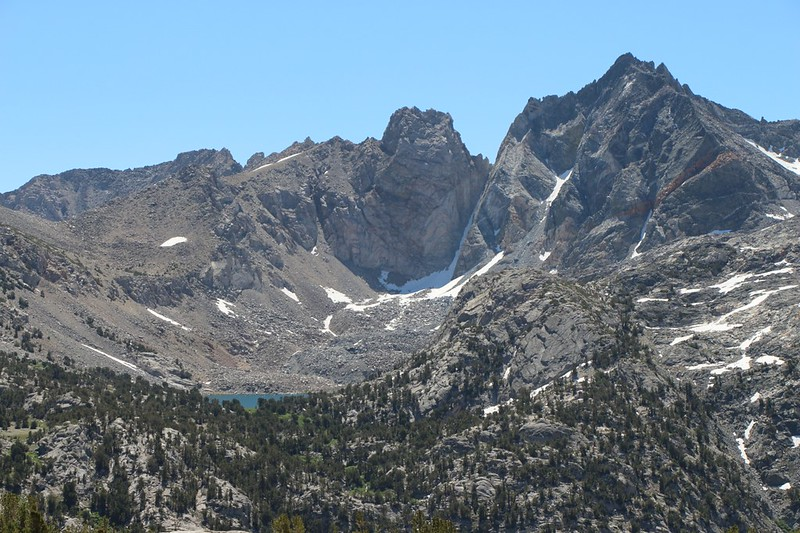 Zoomed-in view of Dragon Lake and Dragon Peak, all the way across the Rae Lakes Basin
