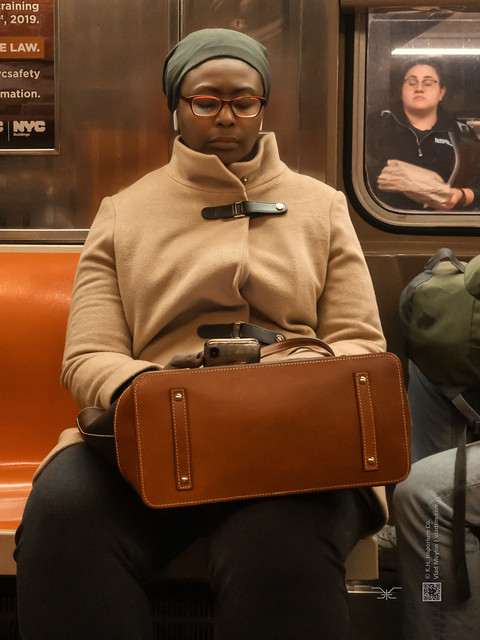 Americans (Greater New York), candid, #47, 11-2019, iPhoneX (Vlad Meytin, vladsm.com)