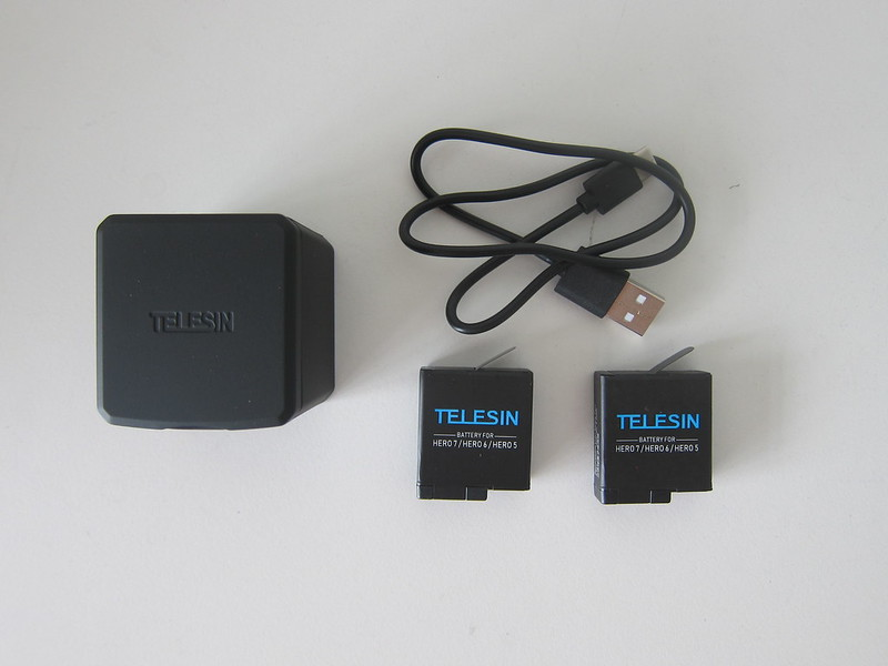 Telesin 3-Channel Charging Box - Box Contents