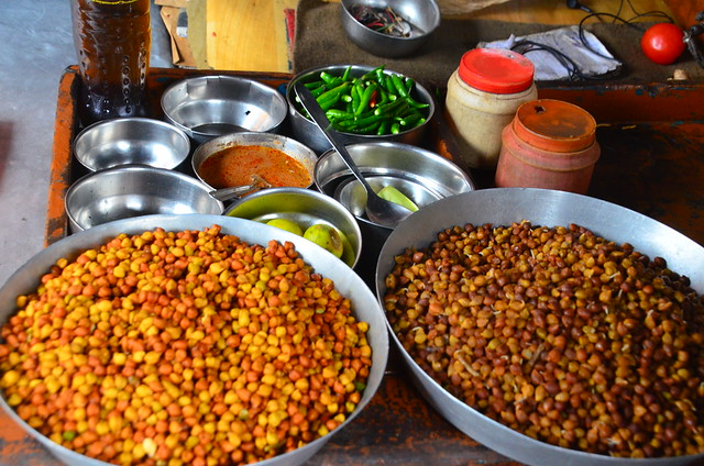 Breakfast ingredients, street stall, Kolkata