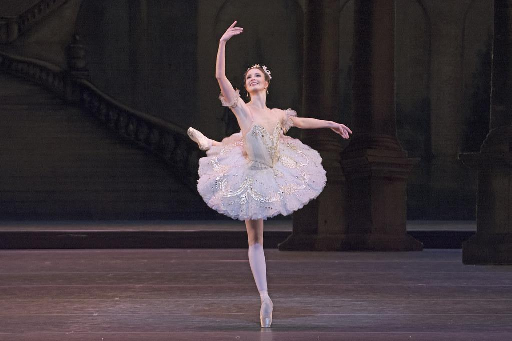 Lauren Cuthbertson as Princess Aurora in The Sleeping Beauty, The Royal Ballet ©ROH/Tristram Kenton, 2014