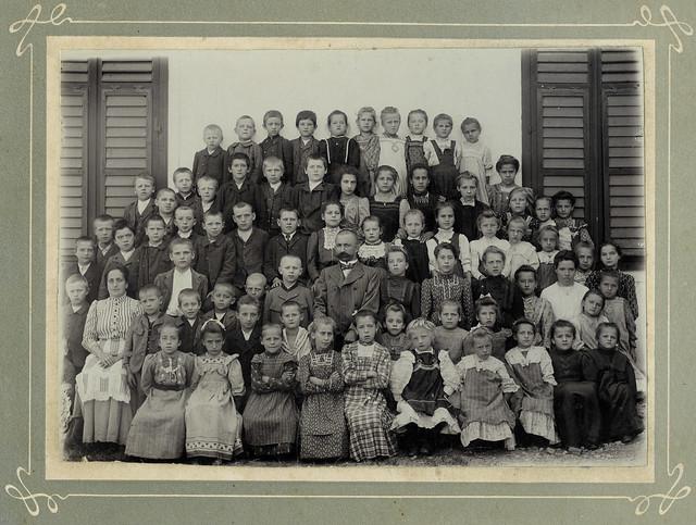 Archiv U428 Lehrer und Kinder, 1910er