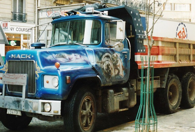 Mack DM600 Dump Truck Rue de Vaugirard Paris 15ème 1988a