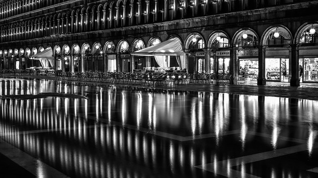 *Venezia/Piazza San Marco @ acqua alta II*
