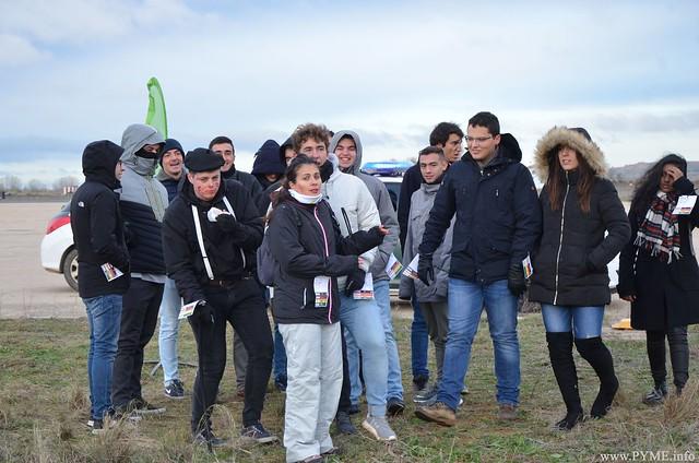 Alumnos de Adventia en el simulacro de la Base Aérea de Matacán 'Vega 19'.