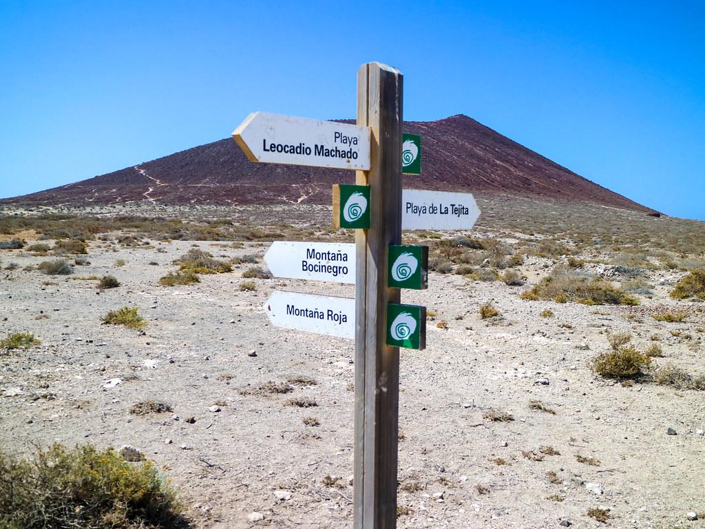 Señales de senderos en El Médano