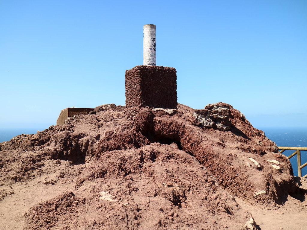 Punto geodésico en Montaña Roja en Tenerife
