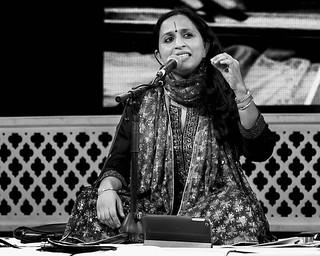 Vidya Shah sings Akhtari