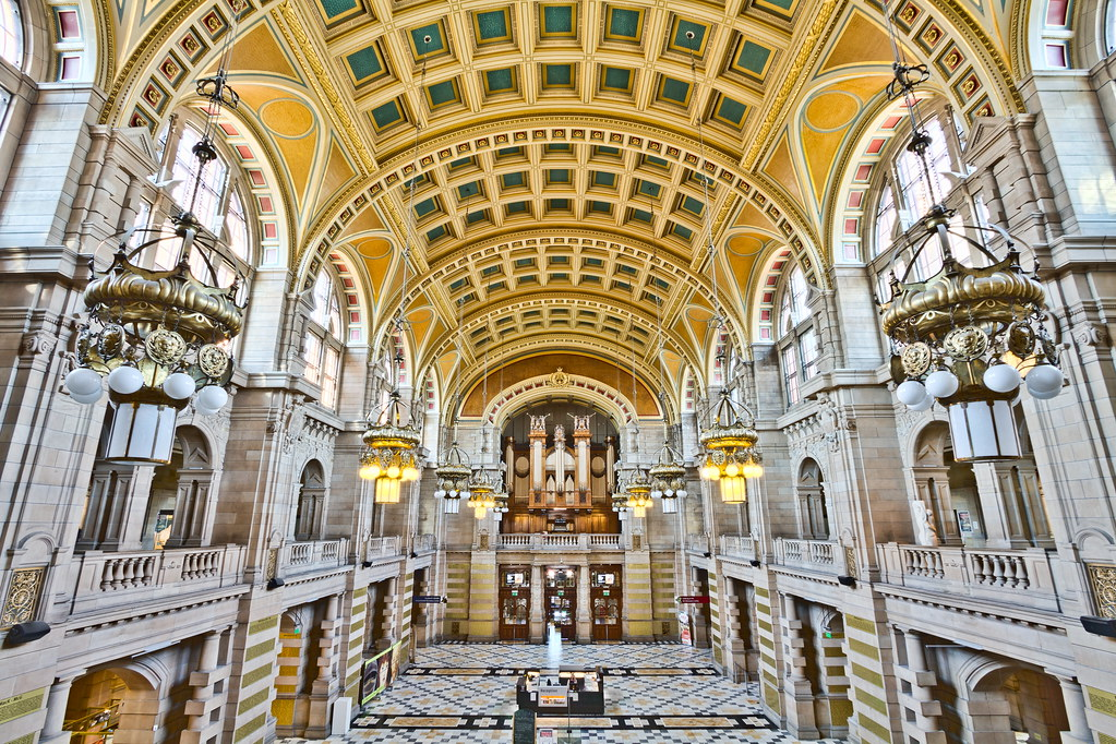 Kelvingrove Art Gallery and Museum Central Hall, Scotland [OC][5183x3454]