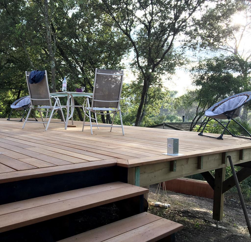 Structure Terrasse Bois Surélevée terrasse surélevée 25m2 sur poteau 120x120mm - deck-linéa
