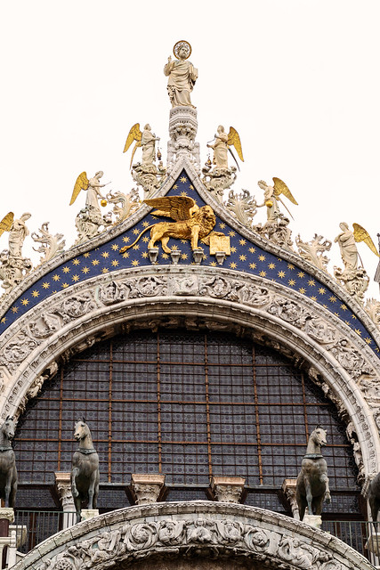 Piazza San Marco details