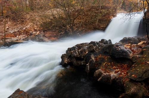 arkansas landscape tanyardcreek bellavista rain water fall autumn fallfoliage northwestarkansas rocks waterfall creek