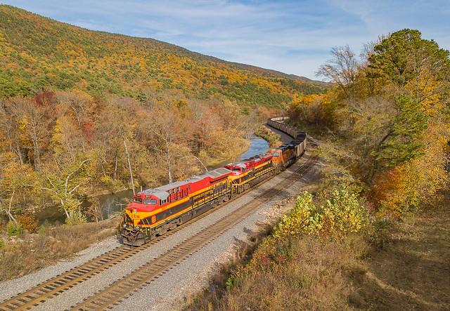 KCS 5017 (ES44T4) Train:2CKCSH09 Page, Oklahoma