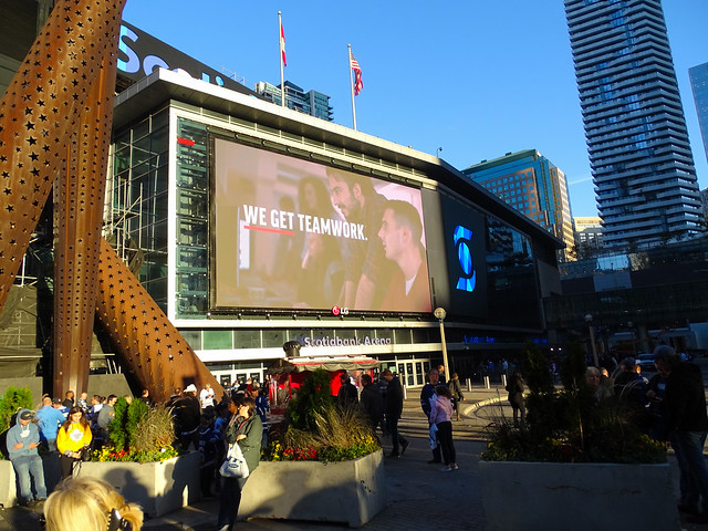 Toronto Photo: New Larger Screen On The Scotiabank Arena
