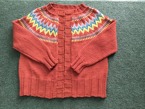 Debbie (Debsnubs) has knit a second Throwback by Andrea Mowry- this one is for herself!