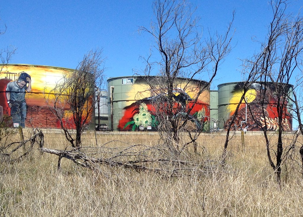 SiloArt comment on Climate Change on the Hume Highway south of the Cross Roads SW of Sydney