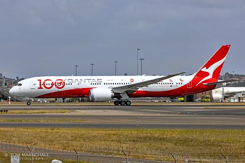 vhznj b787 787 7879 dreamliner qantas 100 anniversary sydney airport b789 qf qf127 yssy 16r 1611193