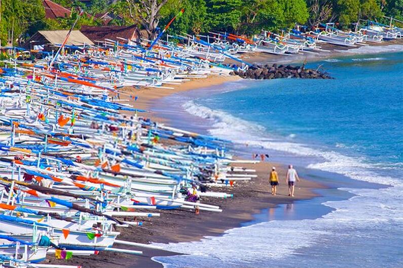 Fishing-boats-at-Amed-Bali-Indonesia