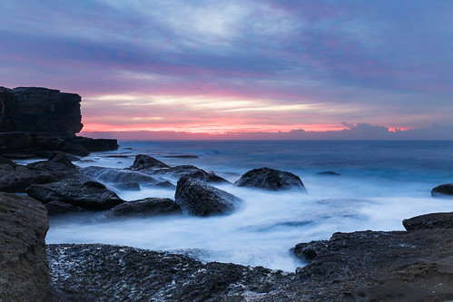 potter point dawn sunrise sydney nsw australia ocean sea waves rock shelf sky cloud