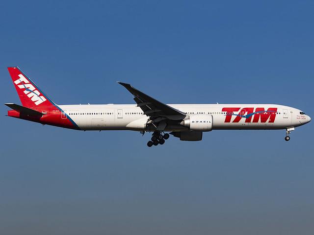 TAM Linhas Aéreas   Boeing 777-32W(ER)   PT-MUC