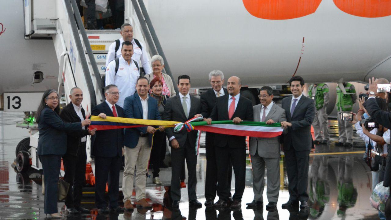 Conviasa inaugura ruta Caracas-Cancún-Toluca
