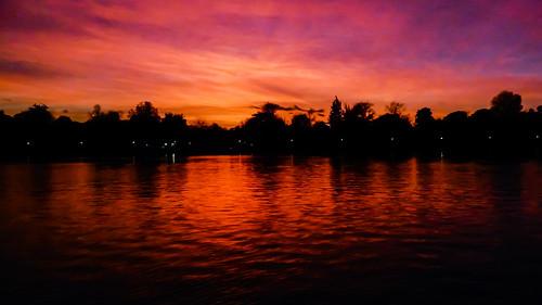 landscape paisaje nature agua water lago lake sunset puestadesol anochecer red rojo nikon