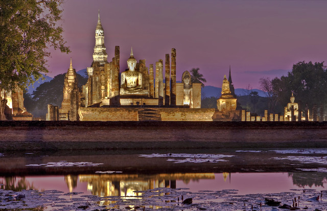 Wat Mahathat at night, Sukhothai, Thailand