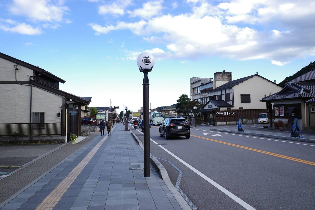 日光東照宮から歩いて東武日光駅へ