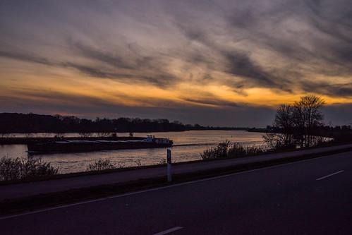 MABA6827 Sonnenuntergang an der Elbe