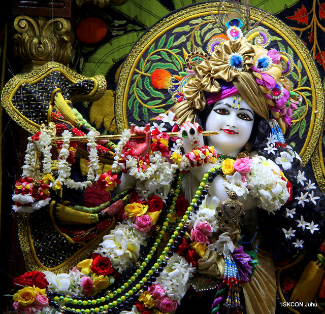 ISKCON Juhu Sringar Deity Darshan pon 16th Nov 2019