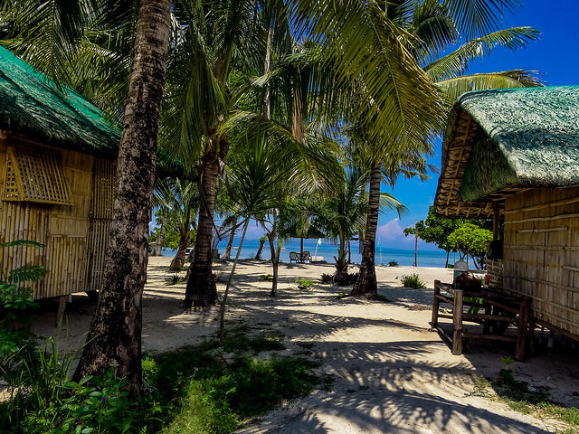 The very simple bamboo huts accomodations in tropical beach. They provide genuine tropical feelings.