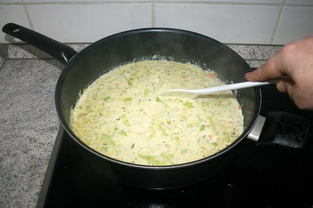 29 - Aufkochen & Frischkäse schmelzen lassen / Bring to a boil & let cream cheese melt