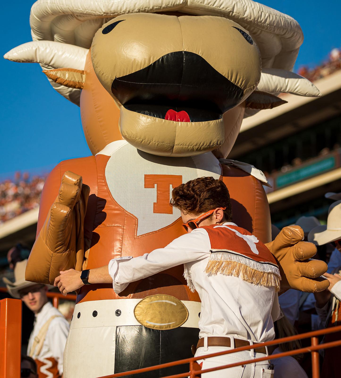 University of Texas Longhorn Football | Texas Review | Ralph Arvesen