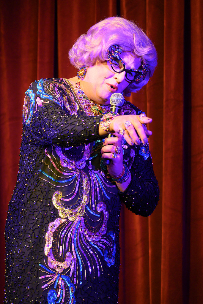 Dame Edna - One Dame Night