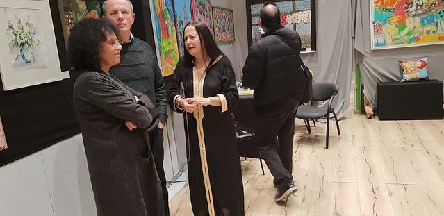 ציירת אמנית ישראלית עכשווית מודרנית ליזה ברדוגו liza bardugo גלריה צבעוני פרימיטיבי פיגורטיבי  צבעונית דקורטיבי אינטנסיבי מקורי אורגינלי אורגינל ישראל צבעים מכחולים צבעוניות
