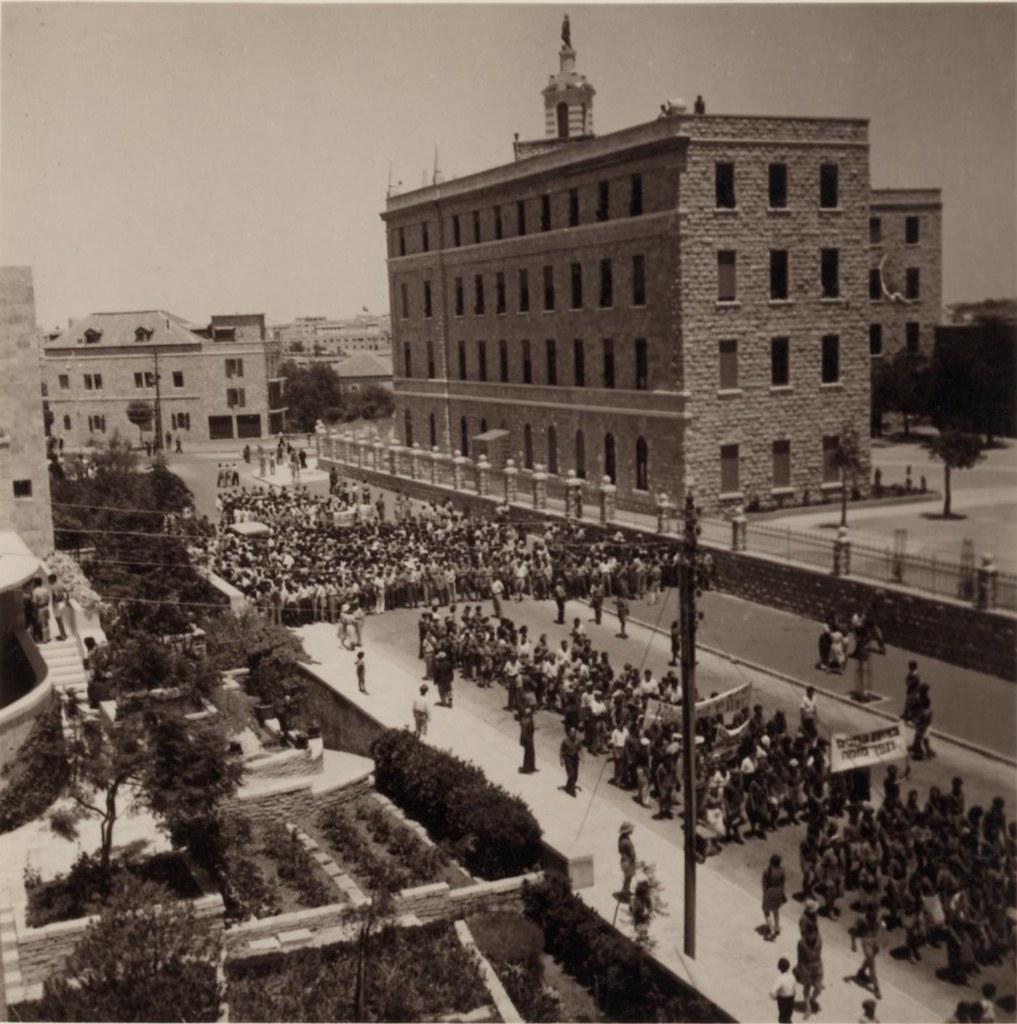 31. Иерусалим. Еврейский протест против Белой Книги
