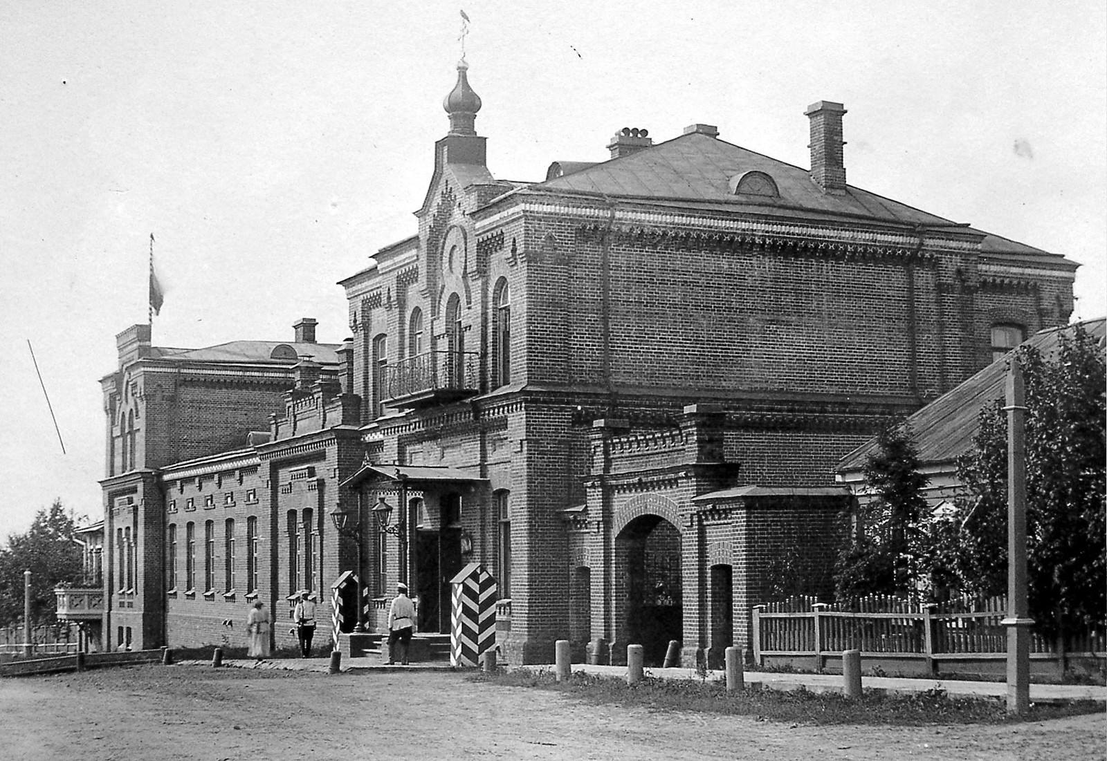 16. Резиденция Приамурского генерал-губернатора. 1896