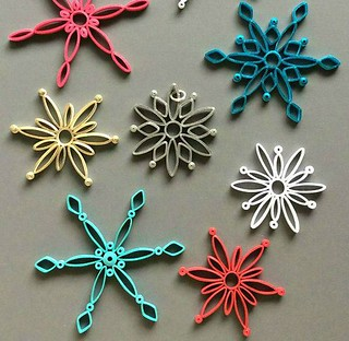 Modern Quilled Snowflakes Tutorial