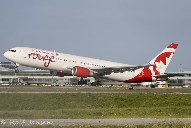C-GSCA Boeing 767-300ER Air Canada Rouge Toronto Pearson airport CYYZ 22.08-18