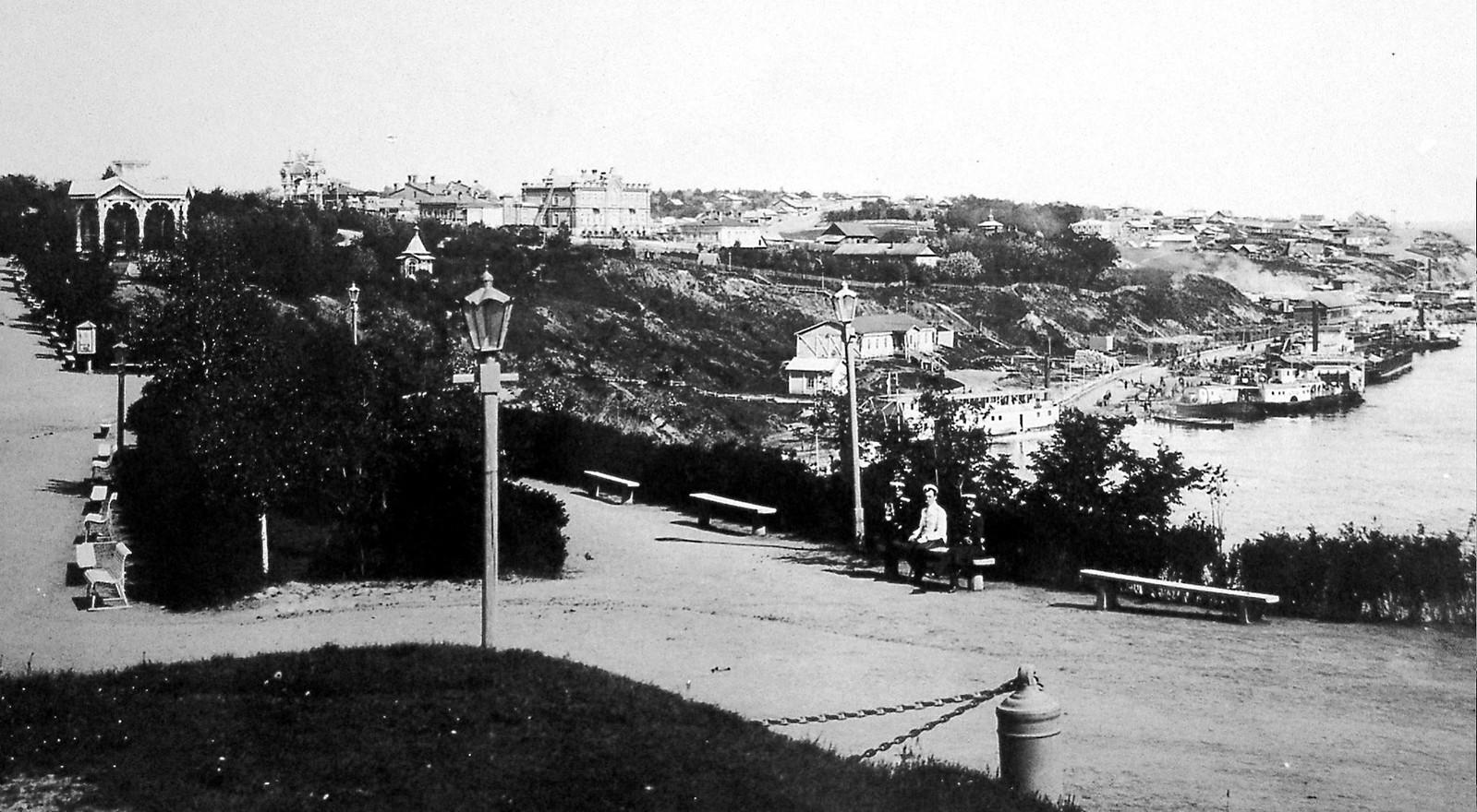25. Вид на пристань из городского сада. 1902