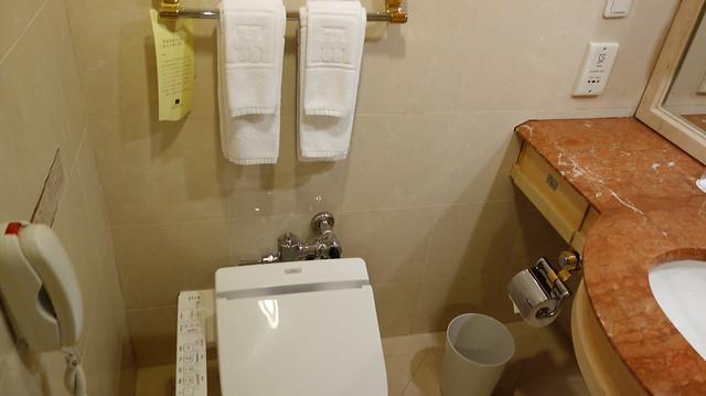 改裝後有 TOTO 馬桶@高雄國賓大飯店