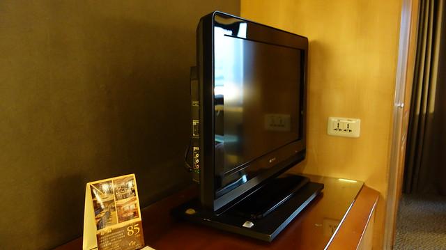 電視旁邊有插座@高雄國賓大飯店