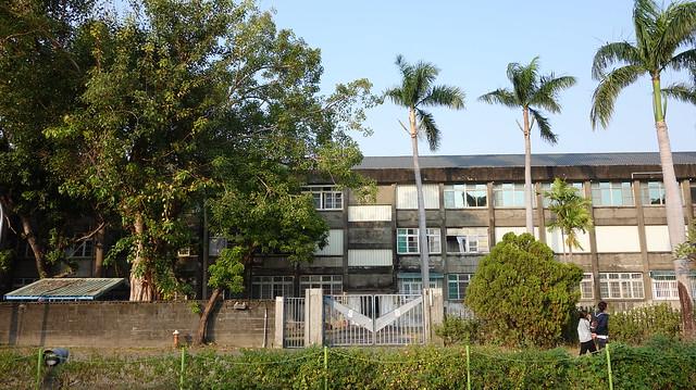 看到這種老房子就會想到東港共和社區