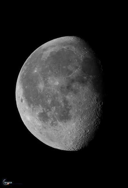 Moon over Massachusetts 78.3% Waxing Gibbous 235,397 miles from the back yard...