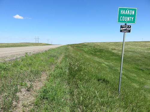 southdakota sd landscapes countysigns haakoncounty westriversouthdakota greatplains northamerica unitedstates us