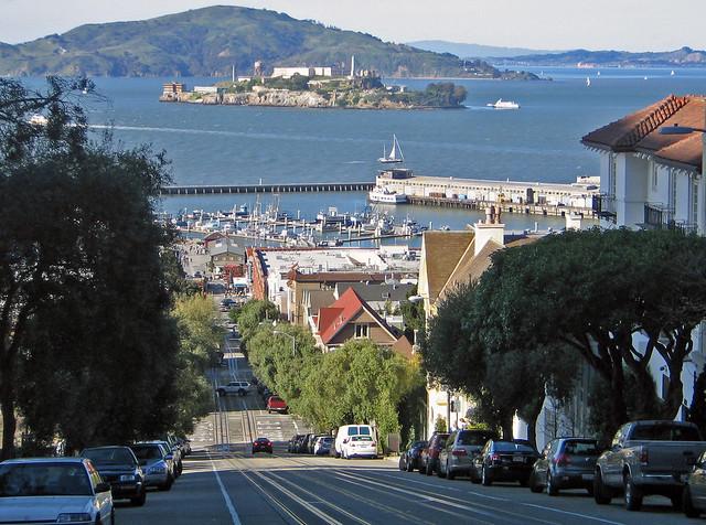 STEEP street : San Francisco (photo 1 of 2)
