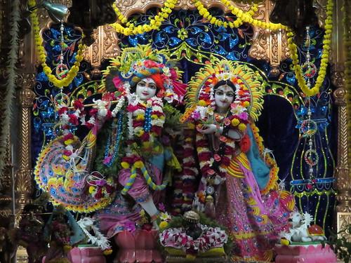 ISKCON Vallabh Vidyanagar Deity Darshan 17 Nov 2019