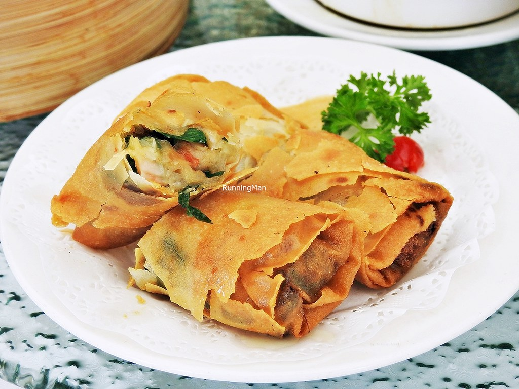 Crispy Spring Roll With Prawns & Chives